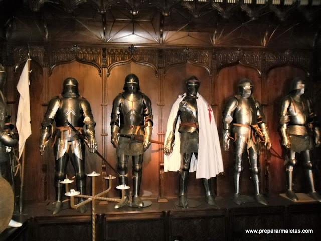 que ver en Castillo de Belmonte, sala de armas