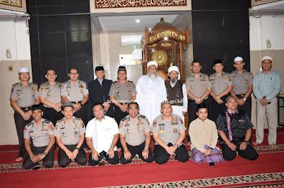 Kapolda Jambi Hadiri Kegiatan Pembinaan Rohani Dimasjid AL Ikhlas Mapolda Jambi