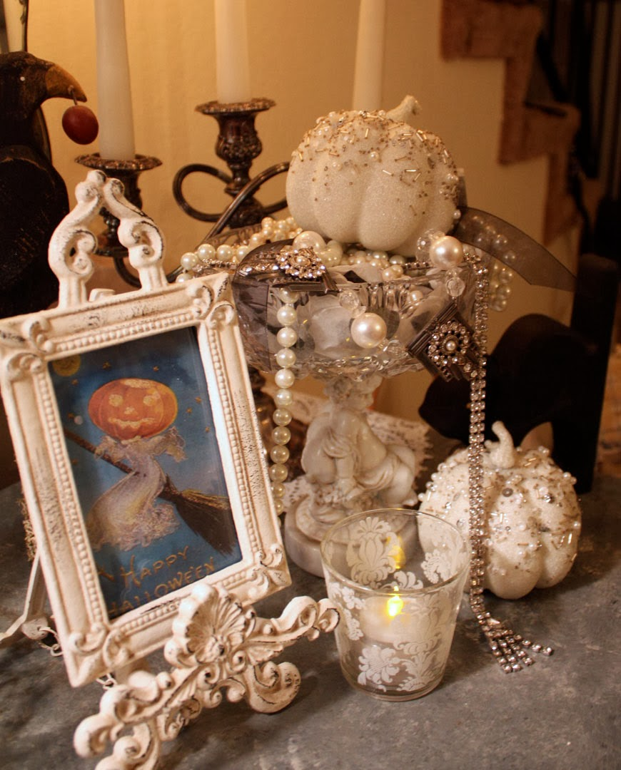 My Romantic Home: Making Halloween Elegant