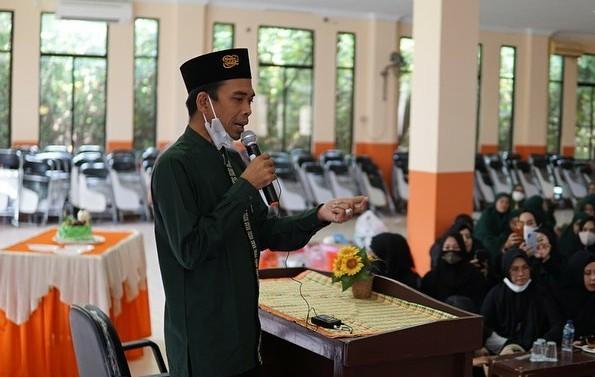 Ustad Abdul Somad : 3 Janji Allah Untuk Orang yang Selalu Membaca Istighfar | PikiranSaja.com