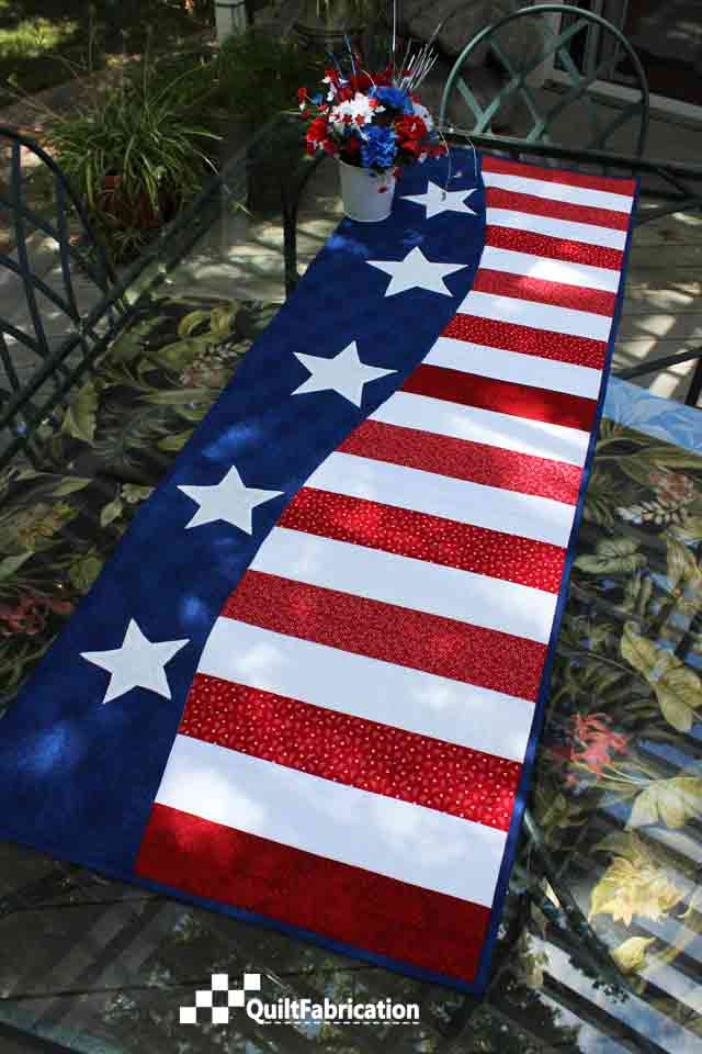 Patriotic Wave Table Runner by QuiltFabrication