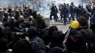 Polisi Tembak Mati Demonstran, Unjuk Rasa Berakhir Ricuh