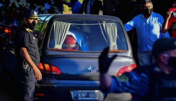 عيش الساعات الأخيرة من مارادونا والشكوك التي نشأت بعد وفاته