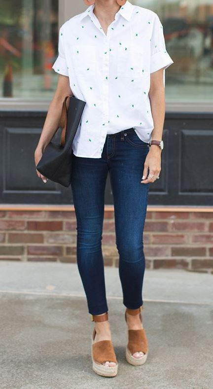 cool office outfit with a pair of skinny jeans