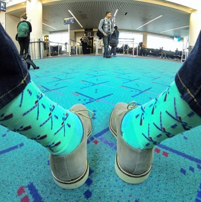 18 Hilarious Photos Of People Who Have Become Ninja Masters - Spy socks