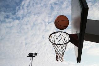basketball ring and sky