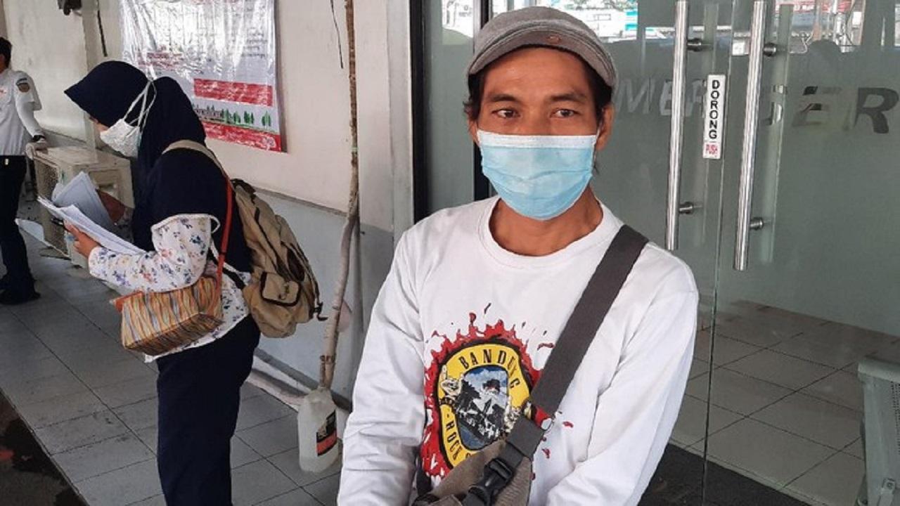 Curhat Juned Gagal Naik KRL Terkendala STRP: Saya Cuma Kuli, Nggak Ngantor