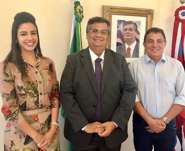 Governador Flávio Dino recebe visita do presidente da FAMEM, e da primeira dama de Tuntum dra. Daniela Tema, pré-candidata a deputada estadual.