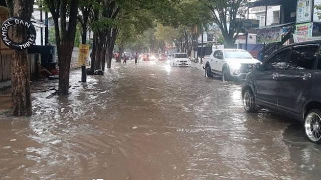 Anak 8 Tahun Terpeleset dan Terseret Arus Sungai di Manado