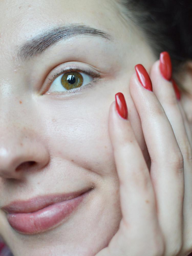 3 kroki do zadbanej skóry pod oczami - Czytaj więcej »