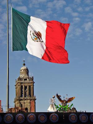 منح مقدمة من الحكومة المكسيكية ممولة بالكامل لدرجة البكالوريوس والماجستير والدكتوراة