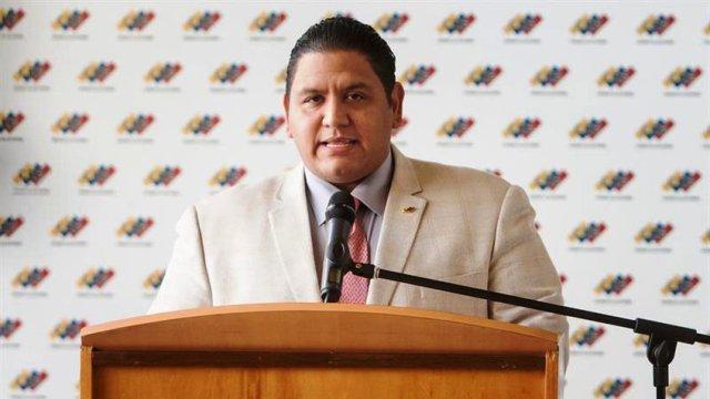 Rector Luis Emilio Rondón: CNE debió priorizar comicios regionales antes que la ANC