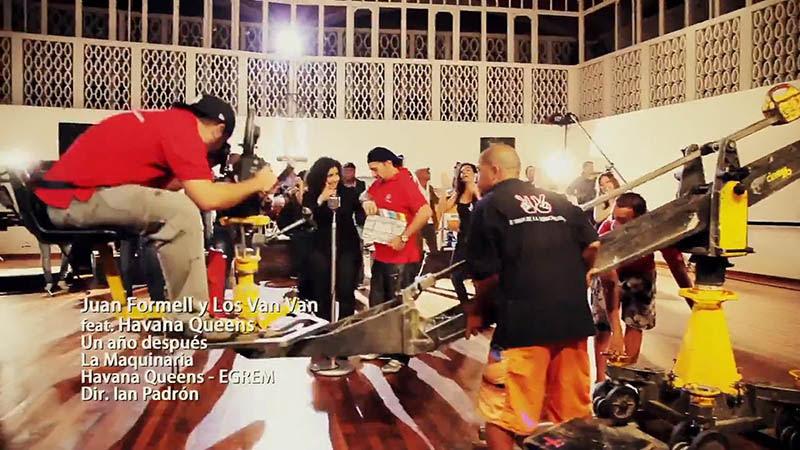Juan Formell y Los Van Van - Havana Queens - ¨Un año después (La Costurera)¨ - Videoclip - Dirección: Ian Padrón. Portal Del Vídeo Clip Cubano - 01