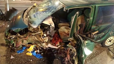 Oszlopnak hajtott egy autó XIV. kerületben