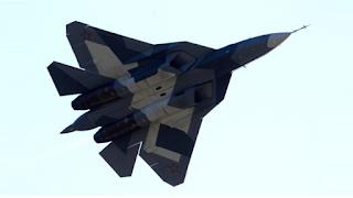 MOSCOU, le commandant en chef des Forces aériennes russes, le général Viktor Bondarev a déclaré aujourd'hui que l'avion de combat russe de cinquième génération Sukhoi T-50 (PAK-FA) pourrait entrer en service au début de l'année 2016.