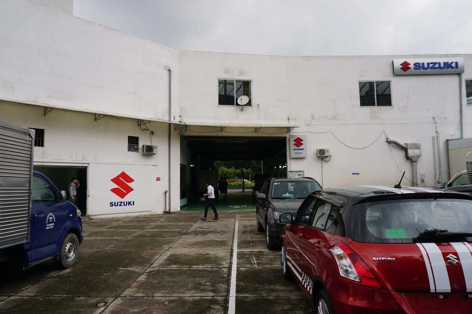 Khi vực bảo hành, bảo dưỡng Suzuki World nhìn từ bên ngoài