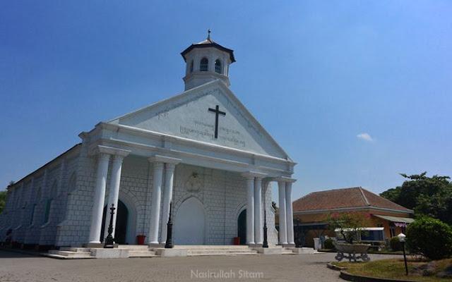 Gereja GKJW tampak dari luar