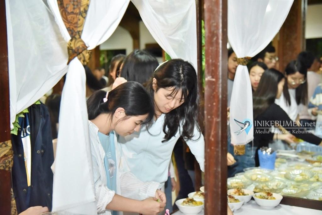 Mahasiswa dari 11 Negara Eksplor Geopark Karangsambung-Karangbolong