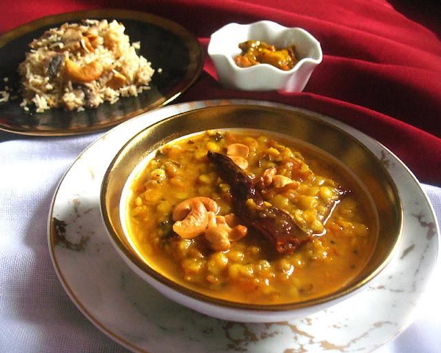 Gujarati Dal (Khatti Meethi Dal)