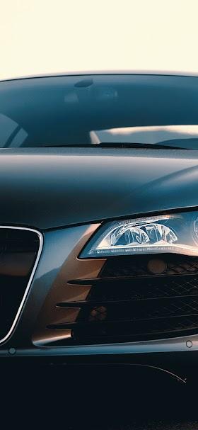 خلفية سيارة اودي آر 8 الرياضية سوداء اللون
