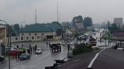 Police in Akwa Ibom engage ex-militants who invaded the Government house over non payment of allowances