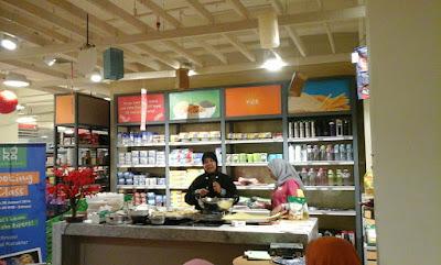 lucu, ibu, buah, donat kentang, coklat, white, anak, kota malang, manfaat, gratis, kim, belanja, keju, cooking , karakter, demo, manis, fermentasi, imajinasi, supermarket, almond, kreasi, kismis, tekstur, acara