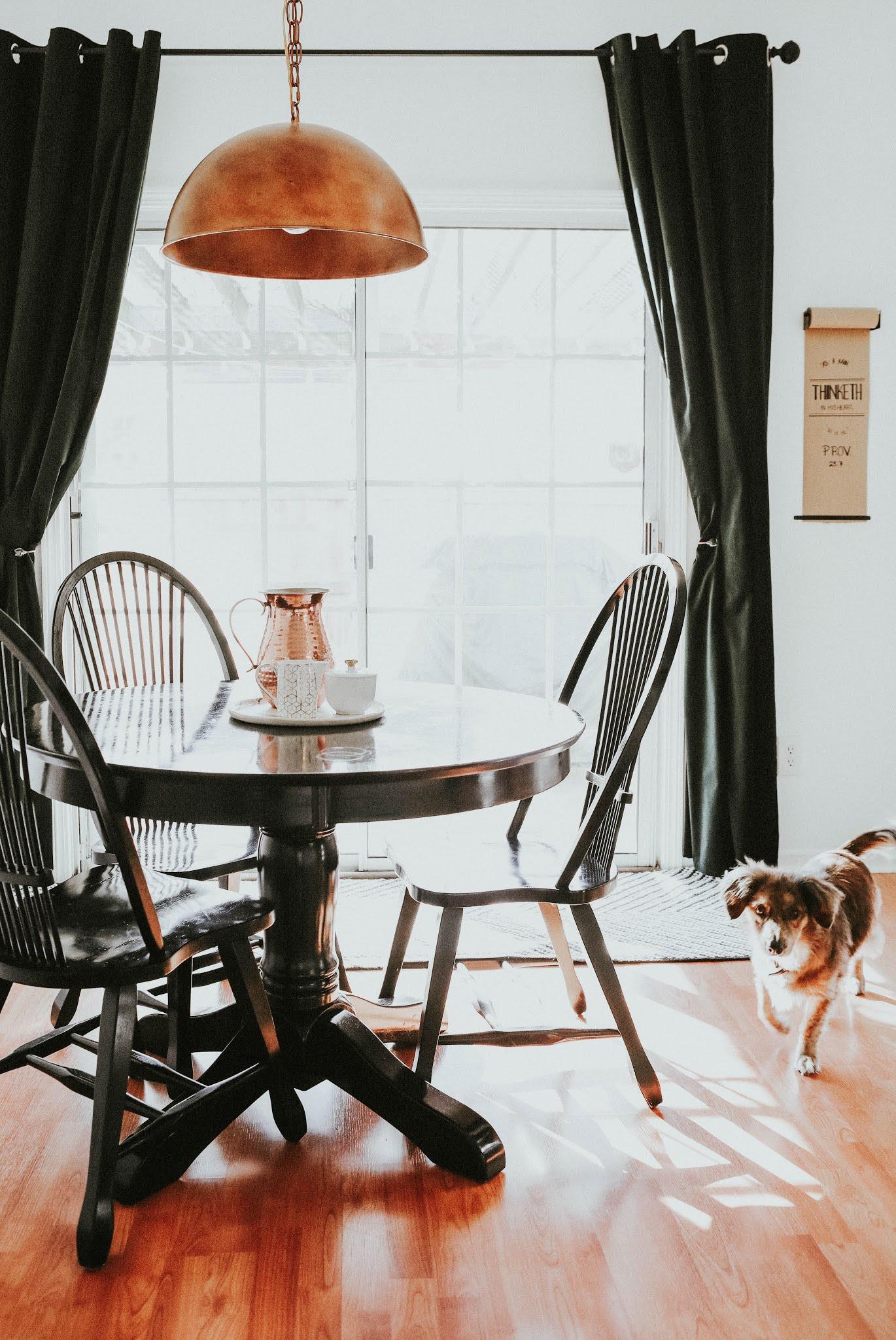 jak zaplanować oświetlenie w domu, w salonie w kuchni