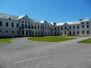 Вишнеец. Тернопольская обл. Дворец Вишневецких