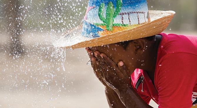 """hoyennoticia.com, """"El 93% de los colombianos ya cuentan con acceso al servicio de agua"""""""