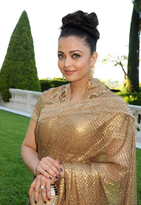 Aishwarya Rai's latest Sizzling Photo shoot -Never seen before this type of saree