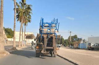 مديرية إنزكان أيت ملول تنفي نقل مقاعد دراسية باستعمال شاحنات للأزبال
