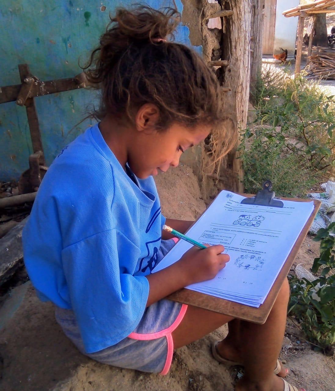 LATAM distribui material escolar para 10 mil crianças  no Nordeste do Brasil com a Amigos do Bem