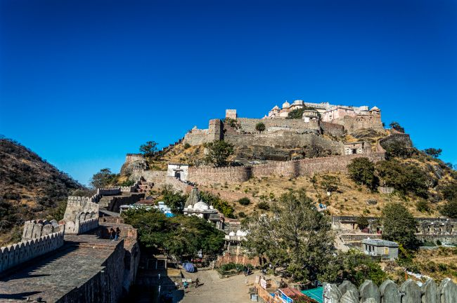 Kumbhalgarh Fort with Second largest wall in foreground