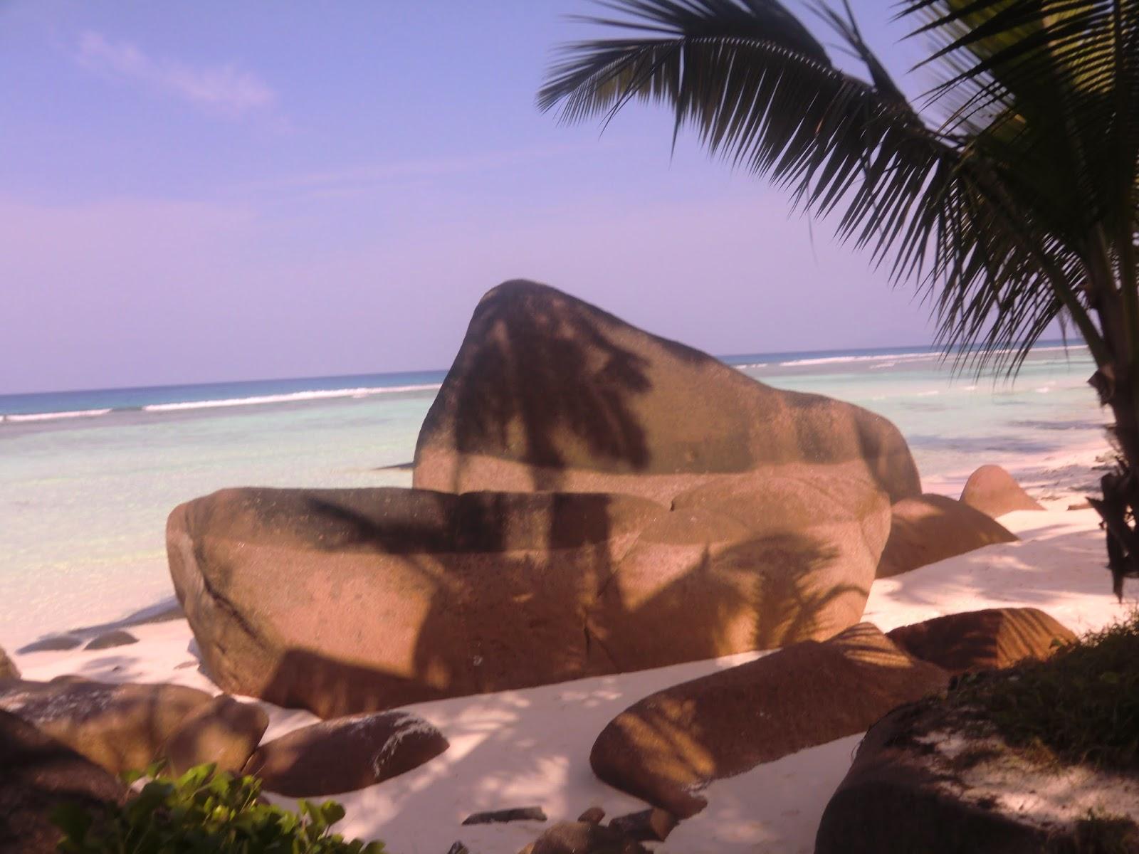 Granitnie-Kamni-Seycheli