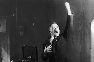 Foto Hitler Berlatih Pidato