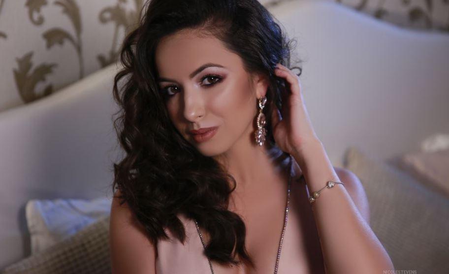 NicoleStevens Model GlamourCams