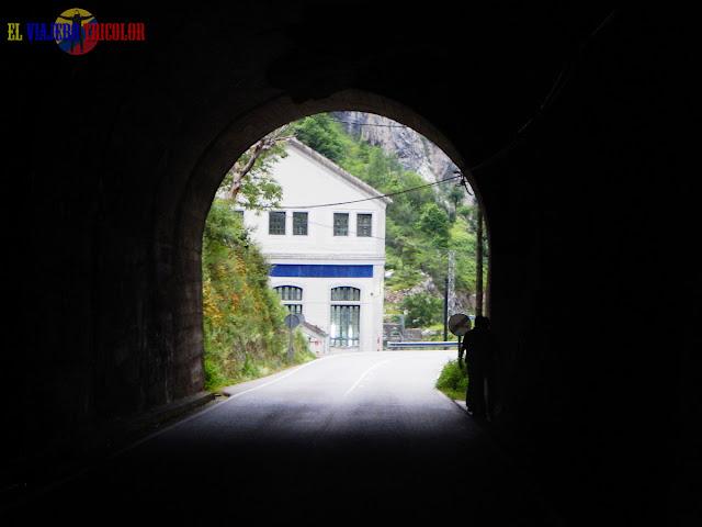 Túnel en Poncebos, Asturias