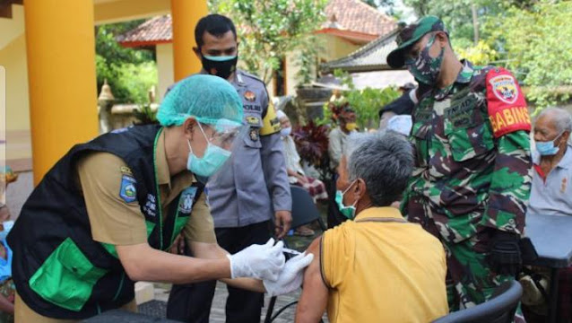 Polres Lombok Barat Vaksinasi