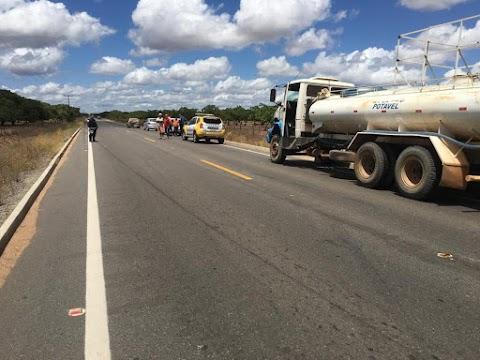 Motociclista morre após bater em caminhão pipa em Serra do Mel