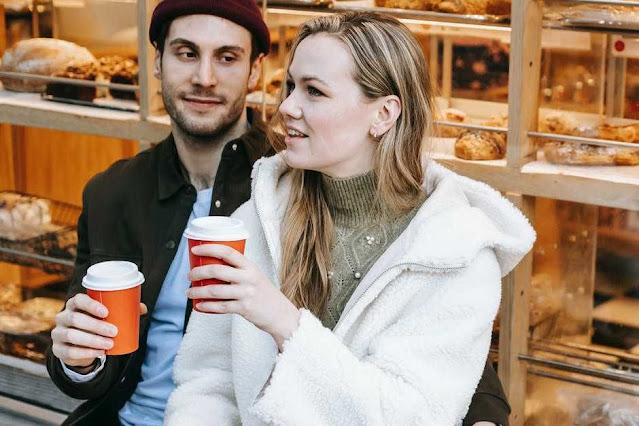 5 Tanda jika Kamu Sedang Dimanfaatkan dari Segi Ekonomi oleh Pasangan