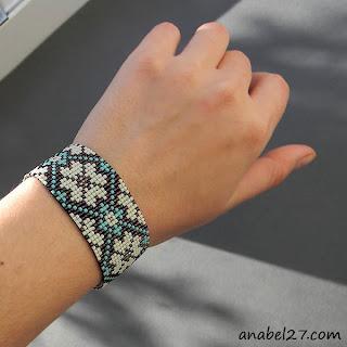 купить браслет и серьги из бисера цветочный орнамент купить украшения из бисера