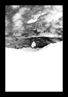 Dotknięcie pustki - przedmioty kolekcjonerskie. Miniatura 10x15cm. Wystawa fotografii odklejonej w Galerii Pustej cd. fot. Łukasz Cyrus, 2019.