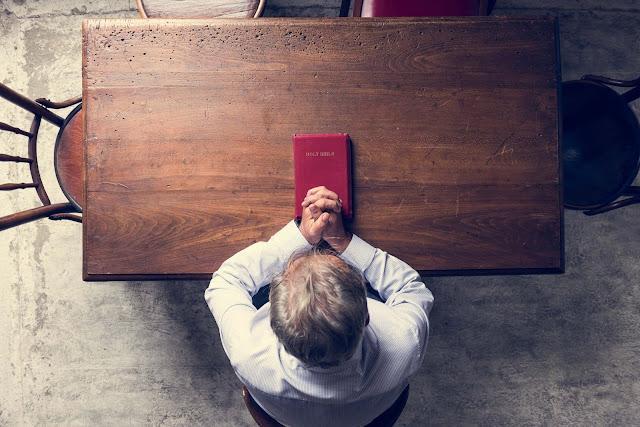 Seguir Cristo significa entregarse