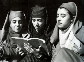 L'écriture du corps dans la littérature féminine marocaine Cas de Souad Bahéchar dans Ni Fleurs ni couronnes.