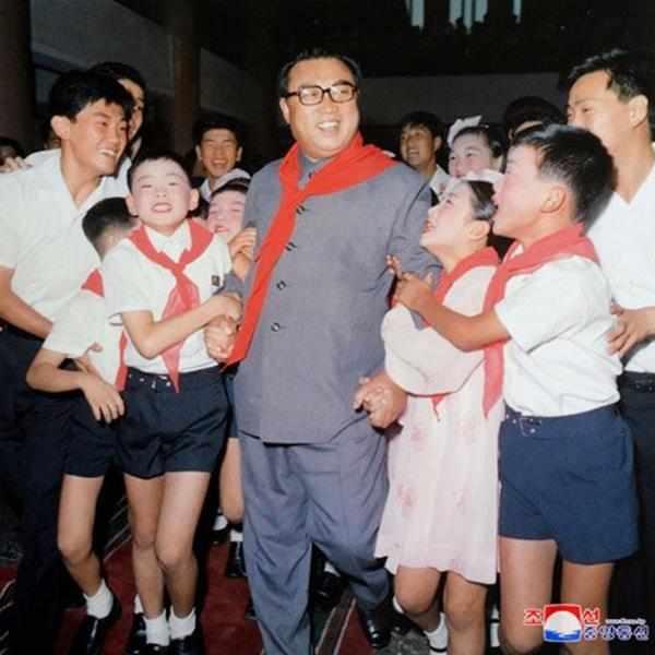 kim il sung with children