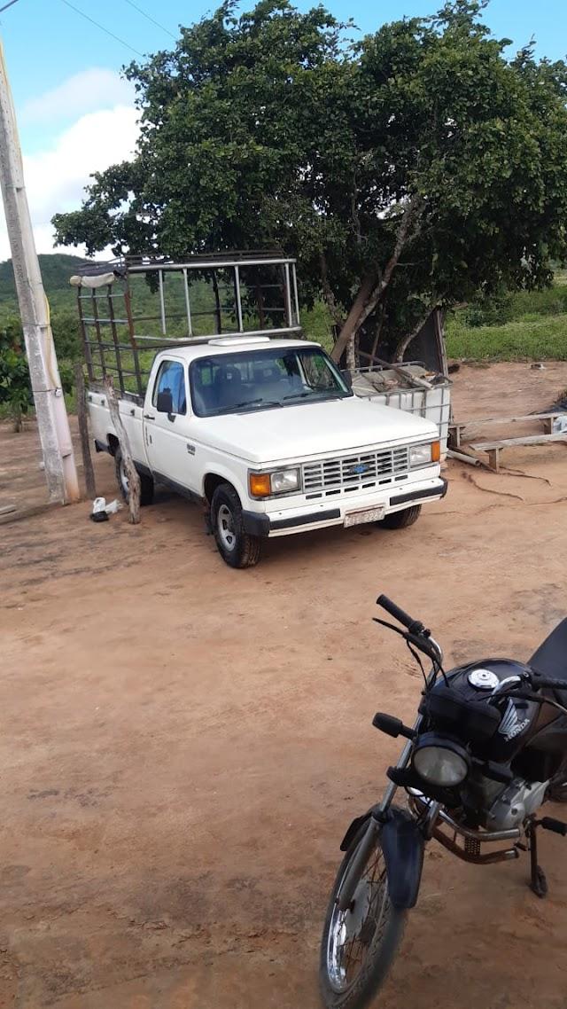 URGENTE: Bandidos invadem residência e roubam D20 na zona rural de Mata Grande