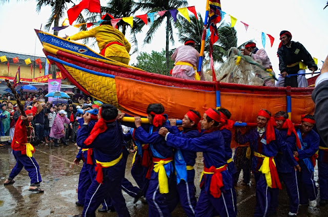 Spring in Vietnam is the season of festivals 8