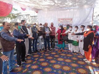 सामुदायिक स्वास्थ्य केंद्र परासिया में कुष्ठ रोग मुक्त करने हेतु शपथ ली गई
