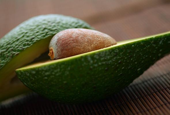Nourish-Your-Hair-With-5-Avocado-Oil-and-Hair-Mask