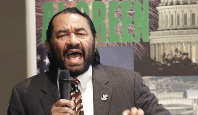 Al Green introduces Trump impeachment articles
